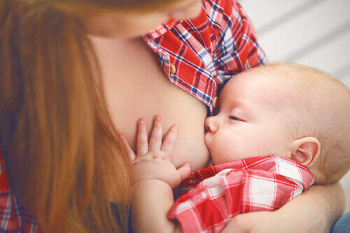 breastfeeding with breast implants